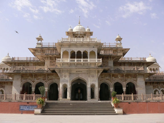 a British architect who designed many palaces in Rajasthan.
